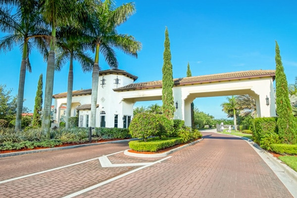 Florida Gated Home Communities for Canadians