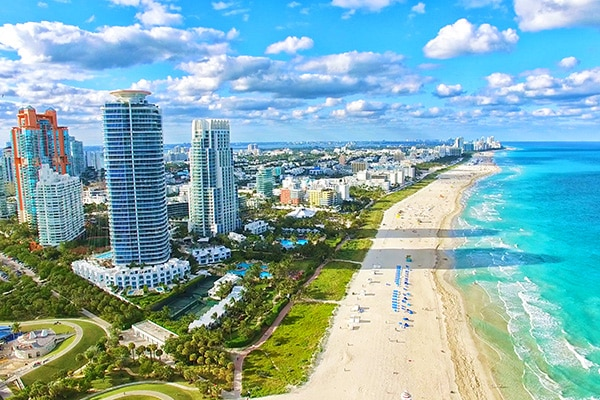 Canadians Buying Real Estate in Florida